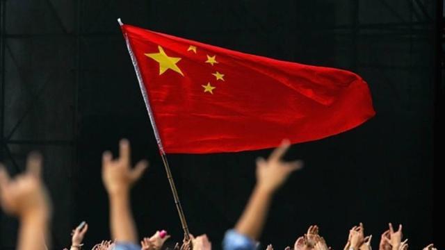 """中国GDP90万亿元,进出口增长8.7%!美国经济""""乌云密布""""?"""