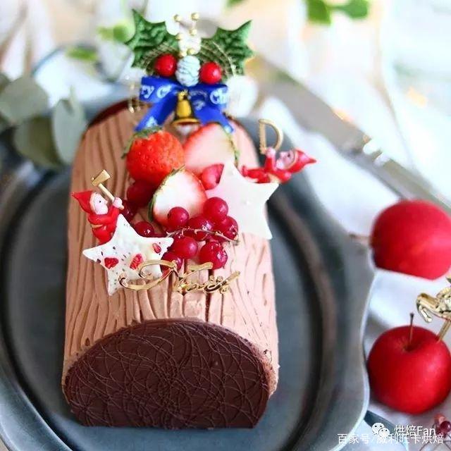 打破次元壁!漫画走入现实——可爱草莓蛋糕