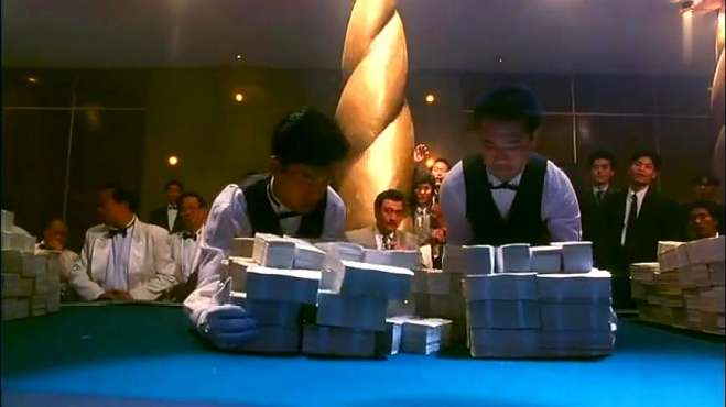 好剧:帅哥进赌局,怎料钱都一摞一摞的赌,有颜有钱有本领,佩服