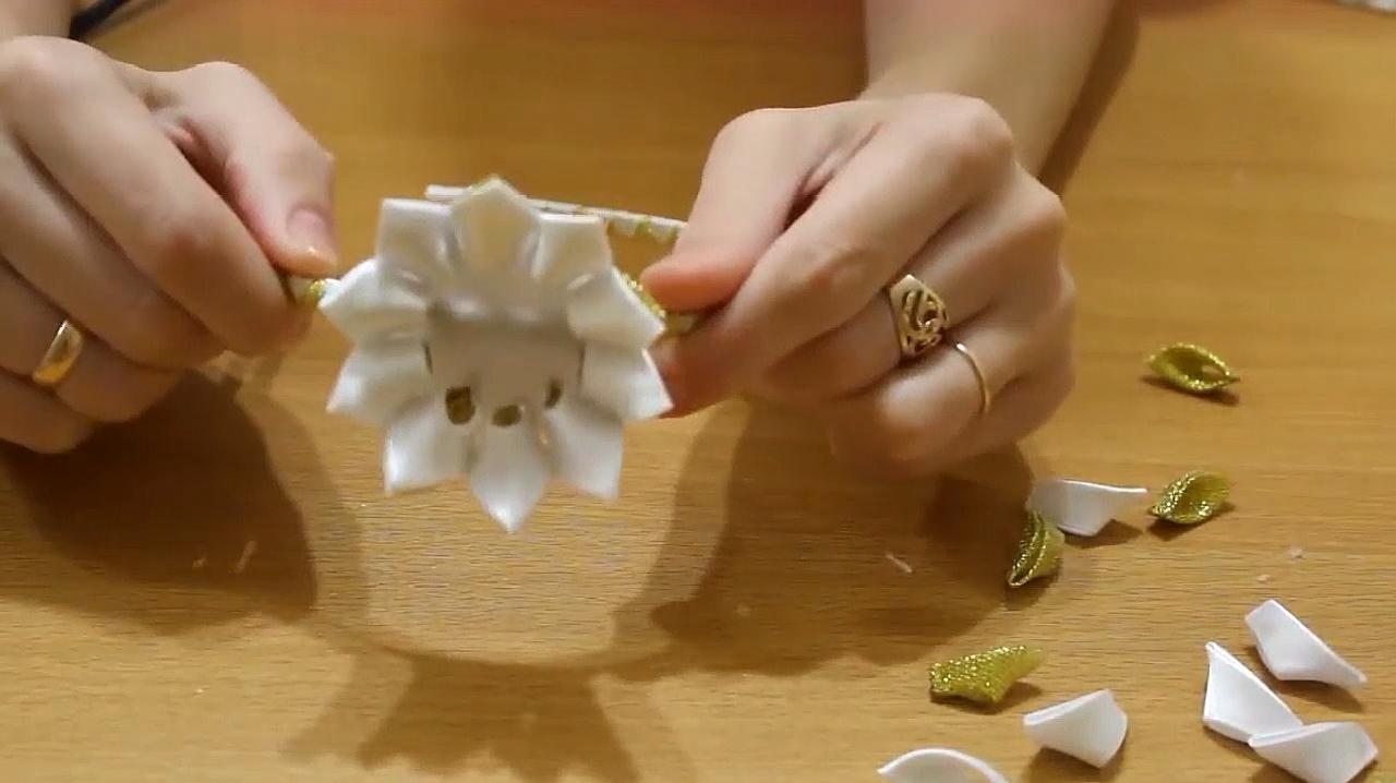 簡單手工,超美的女士蓮花形發箍製作,姑娘們認真生活的樣子好美