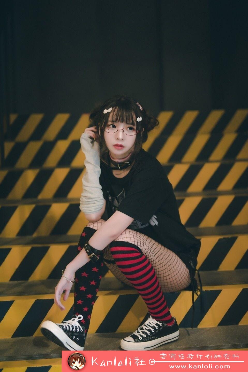【疯猫ss】疯猫ss写真-FM-005 性感街头装 [11P]