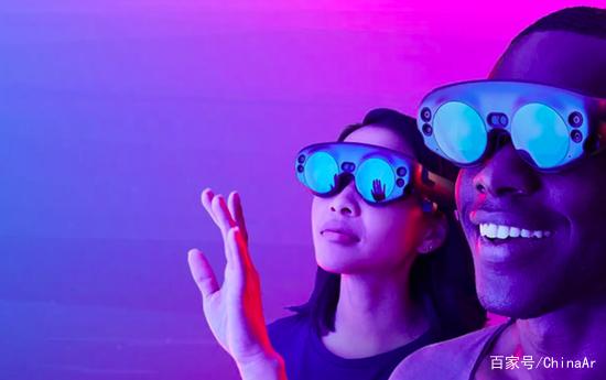 美国一家公司宣布 将推出全球首款水下AR眼镜 AR资讯 第2张