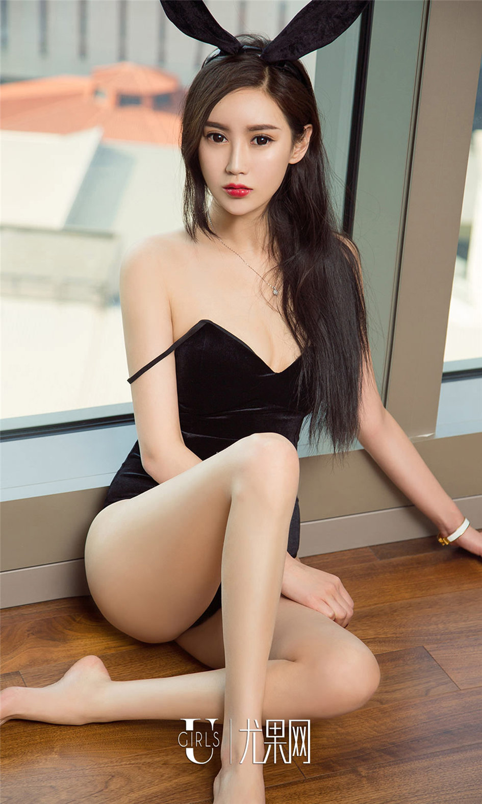 [ugirls尤果网] 气质清纯美女模特安佑娅室内高清写真图