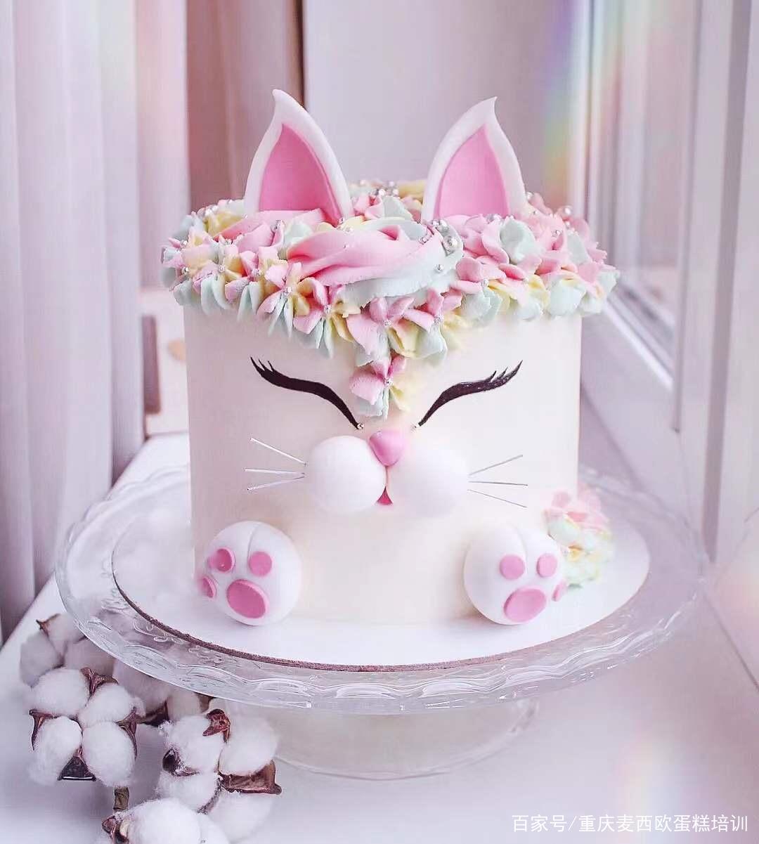 重庆生日蛋糕培训之蛋糕装饰设计要领