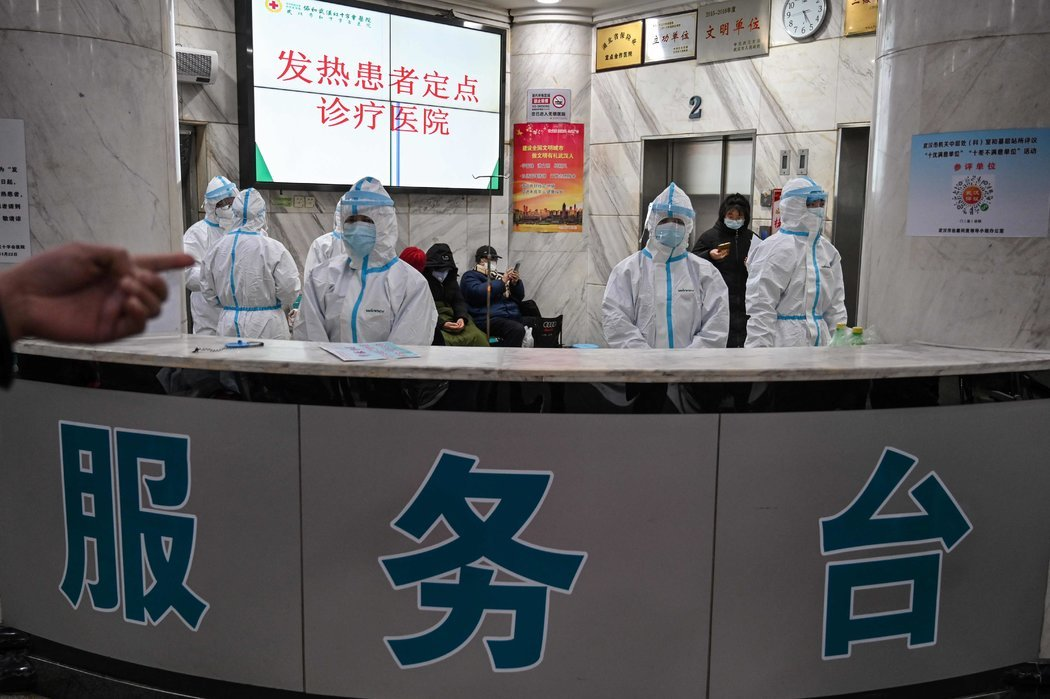 许多医院被改建为只收治新冠病毒患者的设施。