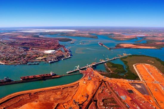 中国停止进口澳大利亚铁矿后,该国煤炭遇冷,数千名铁路工人罢工