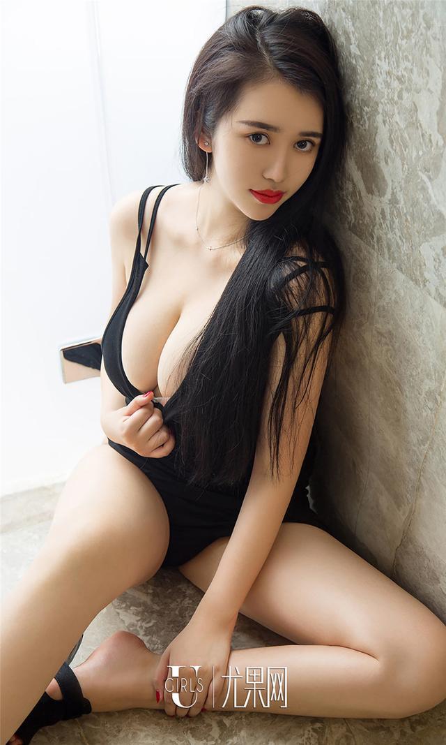 [尤果网] 90后巨乳小美女薛婉私房图片 第767期