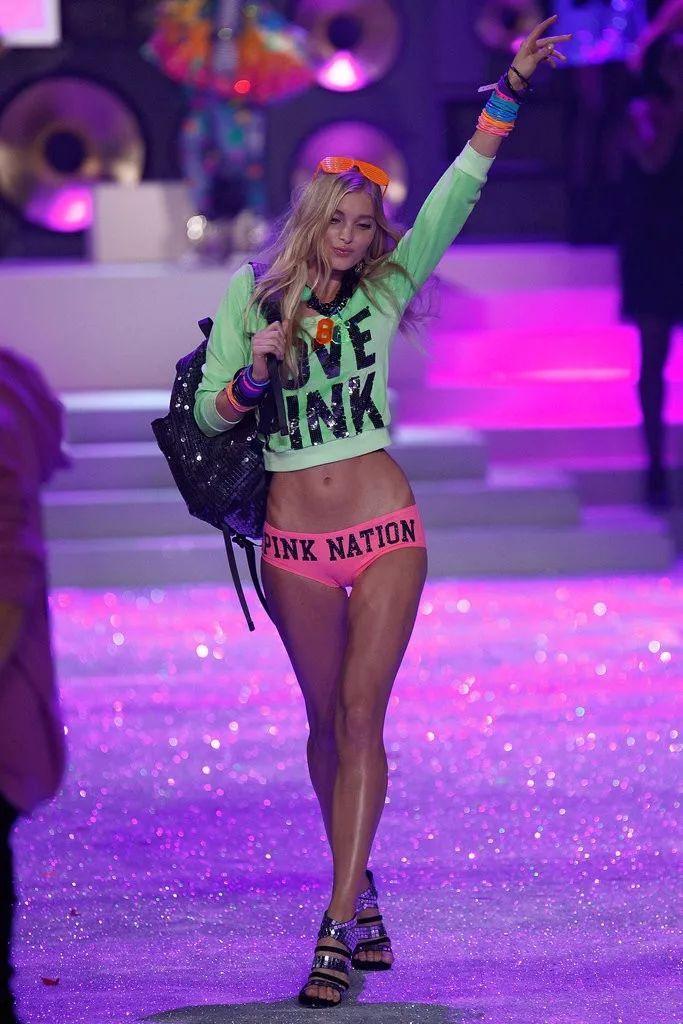 """维密里最会穿的天使,戴100万美金的bra却被嘲""""寒酸""""?"""