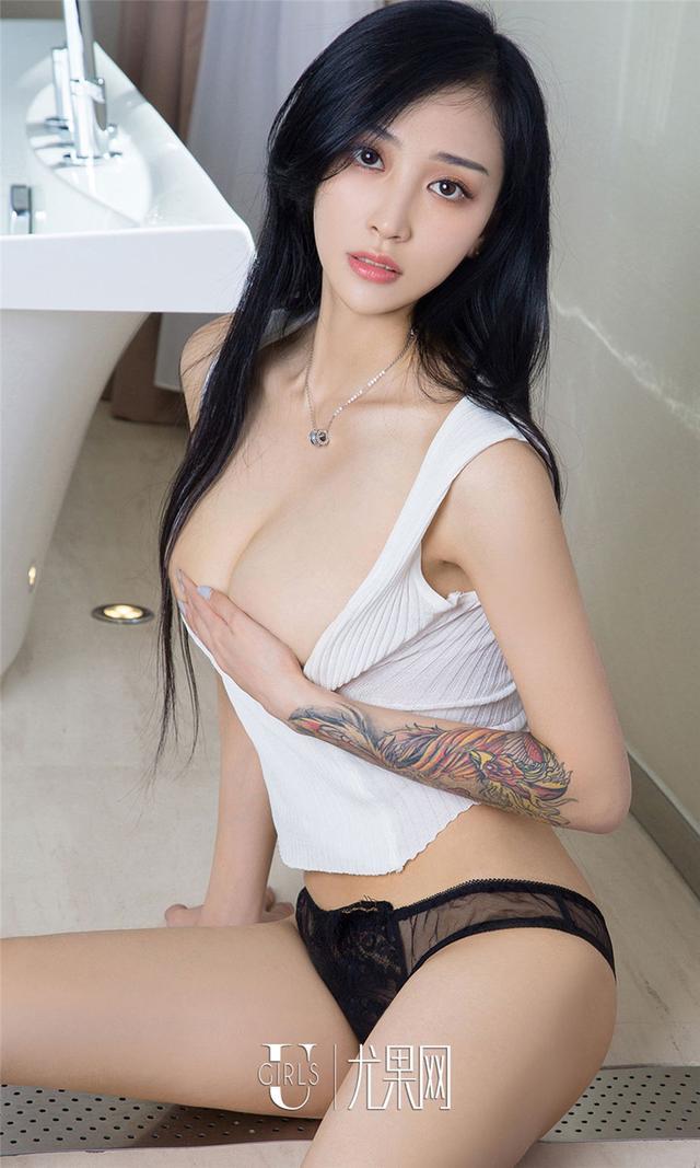 [尤果网] 性感美女安雅若纹身手臂图片 第703期