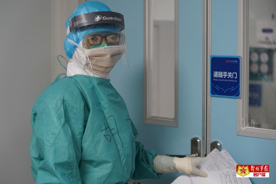 走进火神山医院重症医学一科,确认你的眼神是最美!