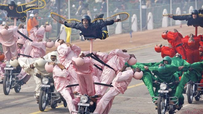 印度阅兵最奇葩的摩托车表演,扒一扒这支部队的来历
