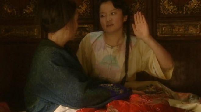 豪门小妾深得大小姐喜欢,大小姐竟亲自求正室让小妾陪她