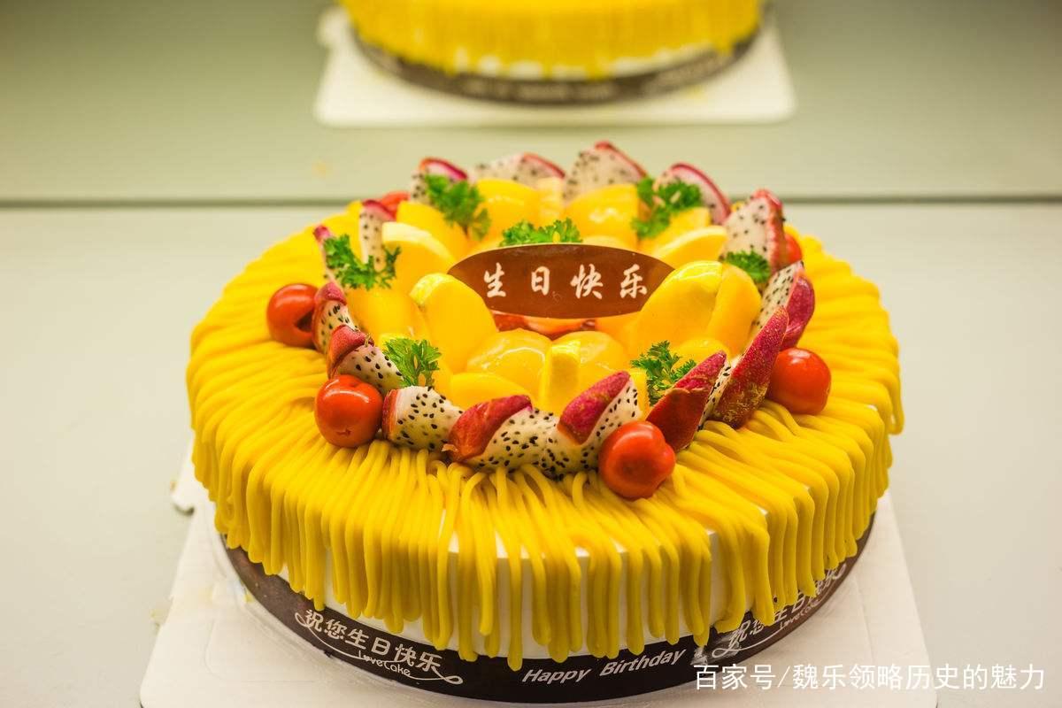 女子网上订蛋糕,蛋糕店这做法让她气愤不已,一怒之下找媒体曝光