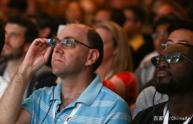 特斯拉打造科幻工厂:组装工将佩戴AR眼镜 AR资讯 第1张
