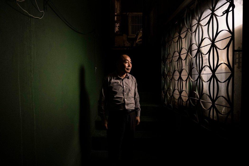 金双石在首尔的地下公寓里。