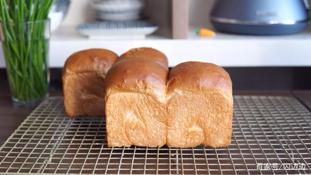 面包新做法,省去长时间揉面,轻松在家做面包