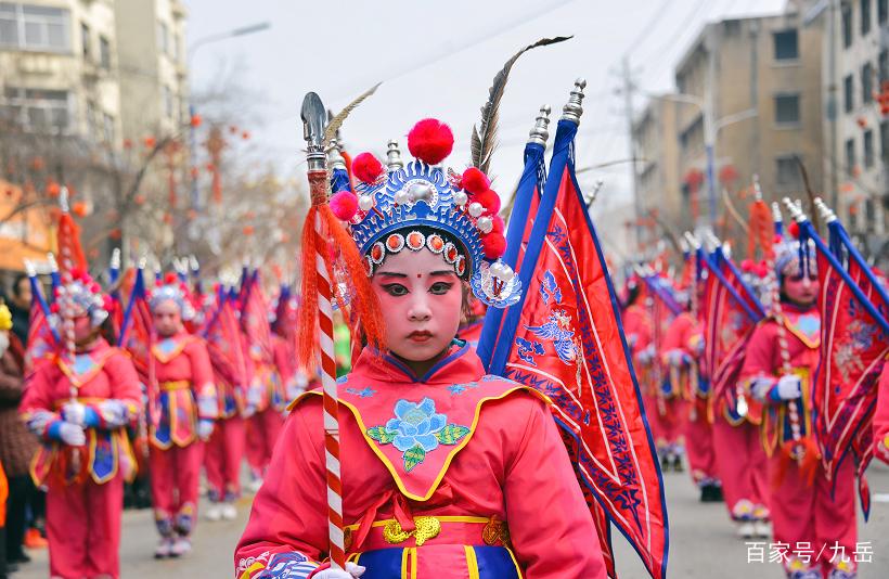 陇县狂欢,绝活荟萃,元宵节疙瘩脸PK血社火