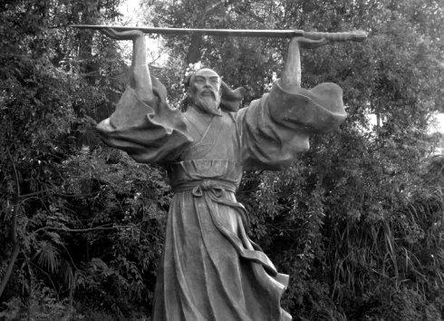 """战国越王者旨於睗剑:2千年前打造的剑,如今却依旧""""寒气逼人""""-"""