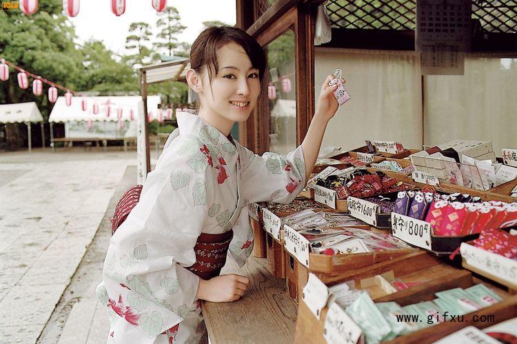 秋山莉奈写真作品1.jpg