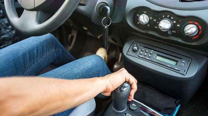 开手动挡车的是穷人?老司机告诉你手动挡强在哪里!