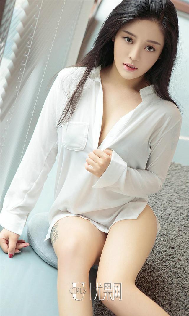 [尤果网] 嫩模凌菲翘臀妩媚写真 第821期
