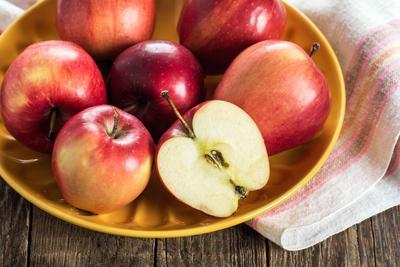 感冒发烧的时候可以吃水果吗?吃什么水果好,看看这几种