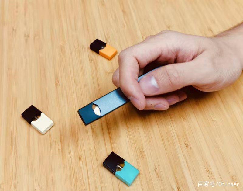 JUUL电子烟开箱体验,绅士低调背后的浓浓科技范儿