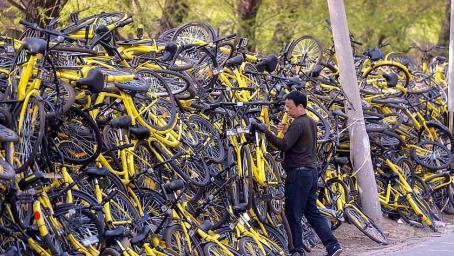我国万辆废弃共享单车被外国收购,用来干嘛?看完着实感动