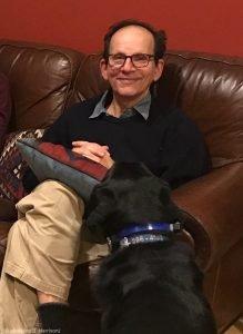 丹尼尔·贝克医生和他的拉布拉多犬孟克——名从爵士乐钢琴家塞隆尼斯·孟克(Thelonious Monk)(© Madaline B. Harrison)