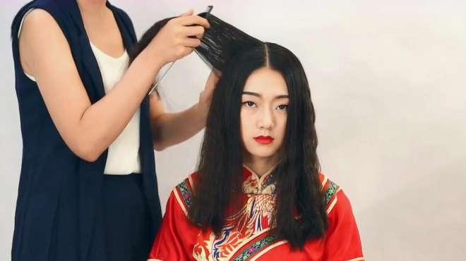 中式新娘盘发教程,唯美的秀禾服化妆盘发技巧,看着很美的!
