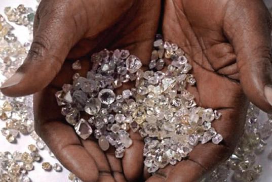 """世界唯一开放的""""钻石公园"""",门票6美元,谁挖到归谁"""