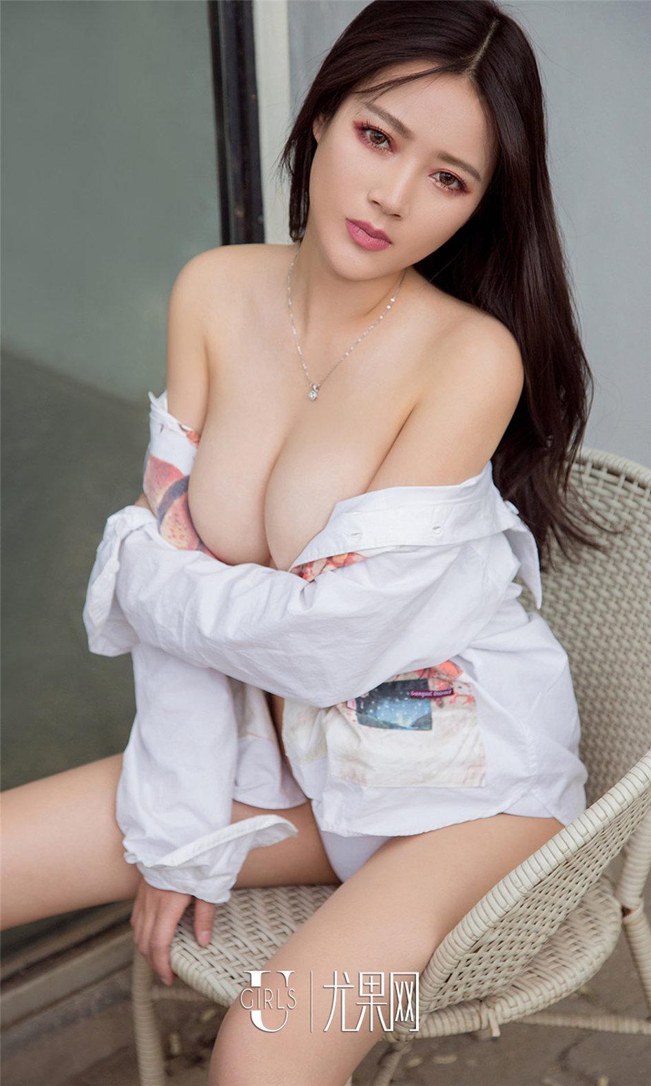 [ugirls尤果网] 清纯美乳美女夏梦性感私房照写真图片