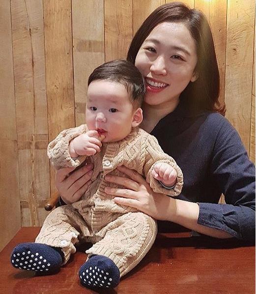 37岁韩国女星沙雕带娃日常!不演戏躲在家中搞怪,还火爆网络?