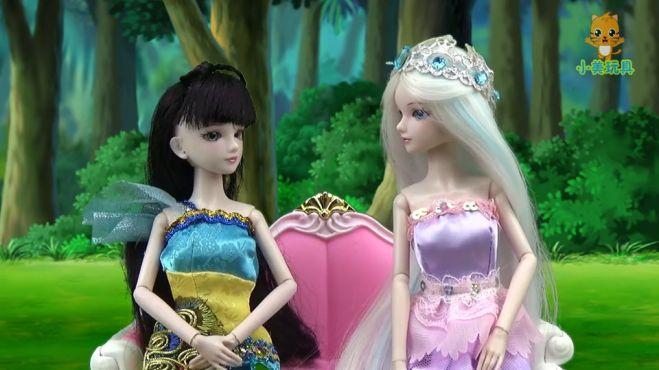 叶罗丽故事:孔雀和冰冰商量这买什么衣服,颜爵过来了!