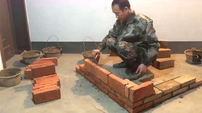 红砖砌墙角教学视频:砌18墙最快的方法,标准砌筑做法教学