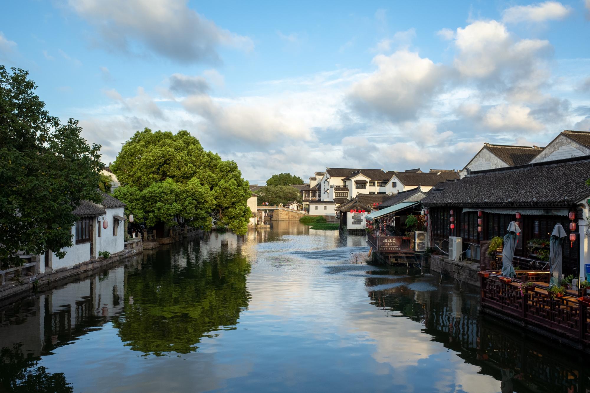 """""""中国第一水乡""""周庄,拥有世界遗产的同里古镇,你最喜欢哪个?"""