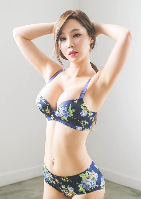韩国车模 李智娜内衣拍摄 韩国车模李智娜美照乐多美图网整理第