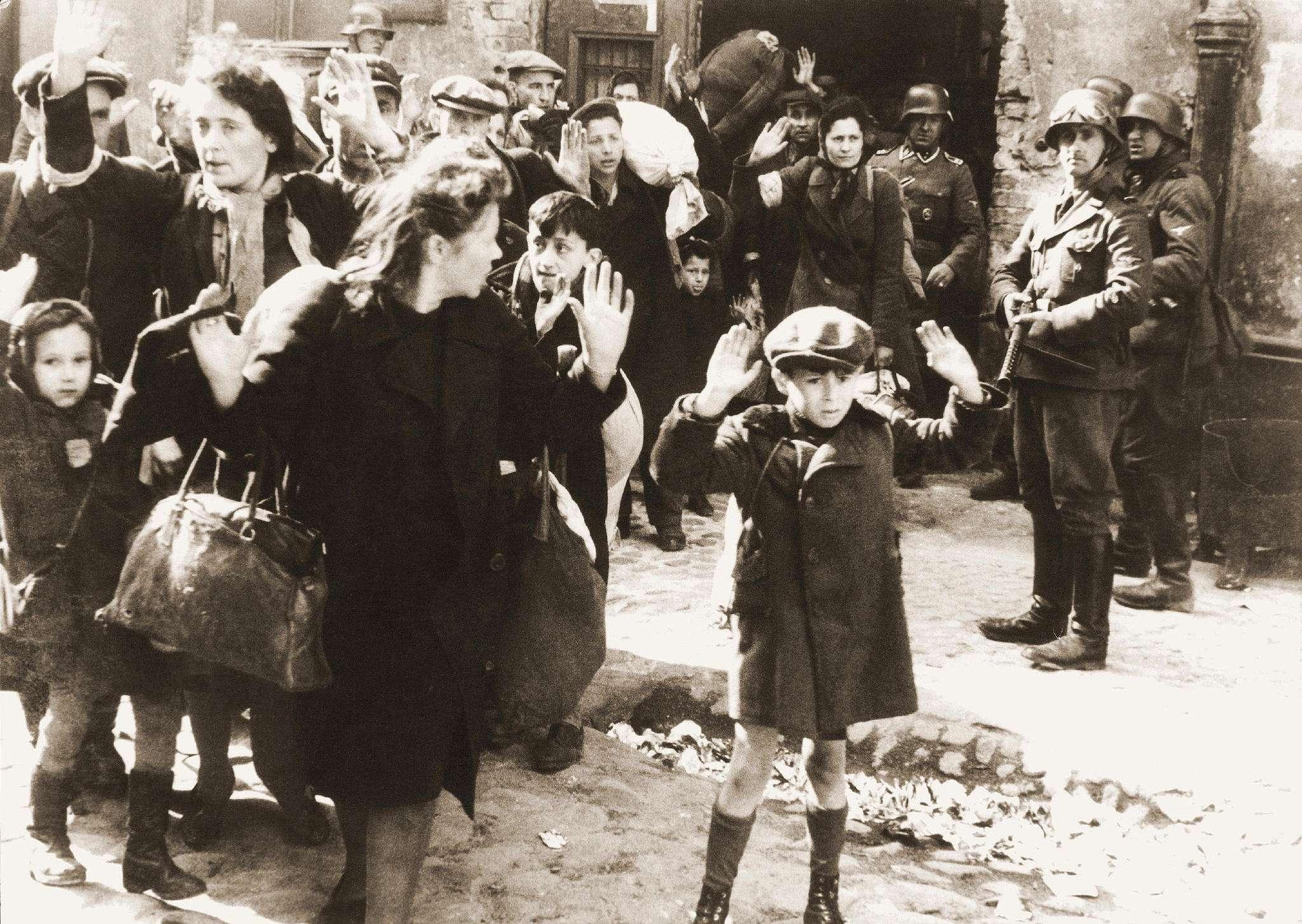 """二战德国开局几乎""""无敌"""",最后却为何满盘皆输?-"""