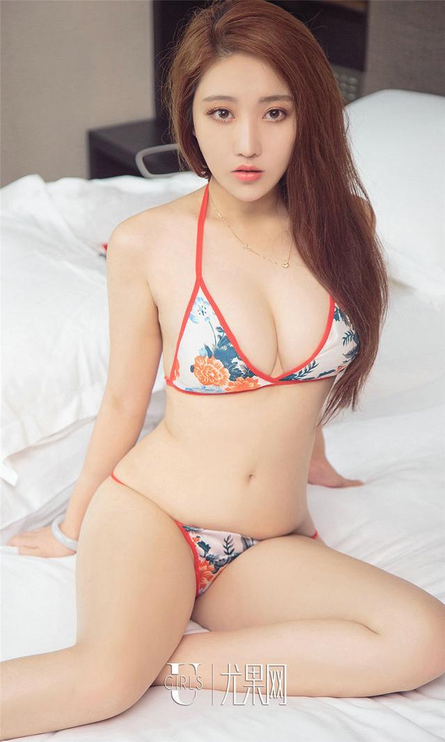 [尤果网] 漂亮美女唐溪若丁字裤蜜桃臀写真 第802期