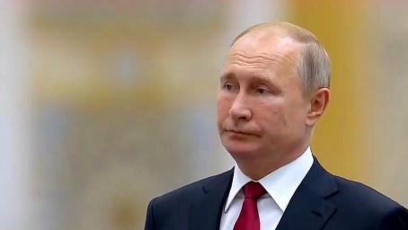 阿联酋乐团演奏俄罗斯国歌当场翻车 普京忍无可忍甩出这表情
