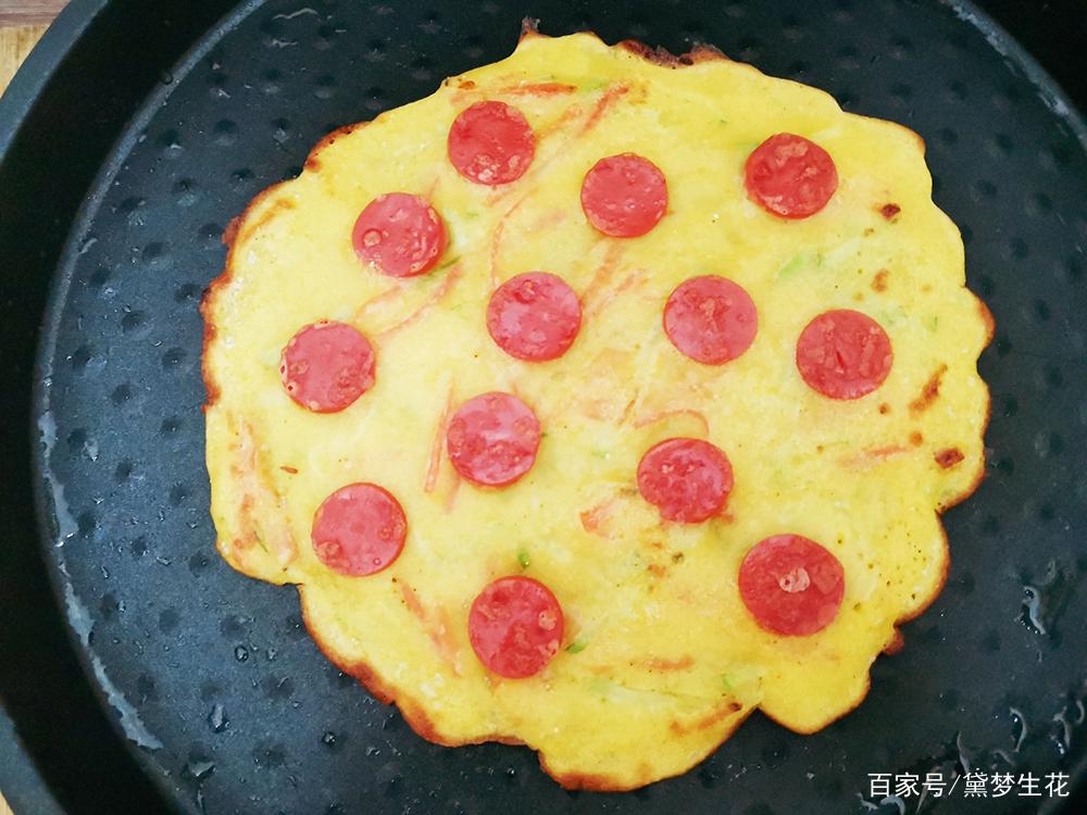 解锁玉米面新吃法,加个鸡蛋,搅一搅,比披萨还好吃