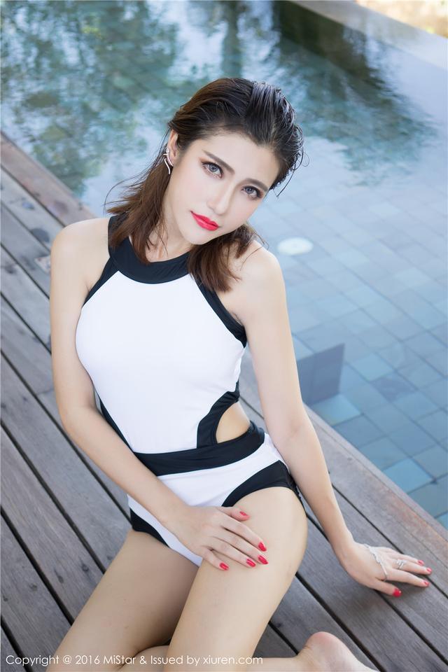 [魅妍社] 高颜值的比基尼嫩模Sandy陈天扬个人外景写真