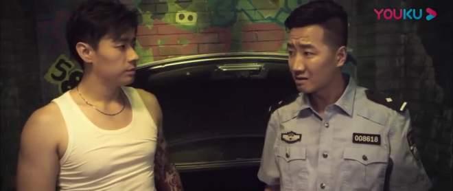 这绑匪胆子也太大了,不仅抓了王瑞儿还抓了警察