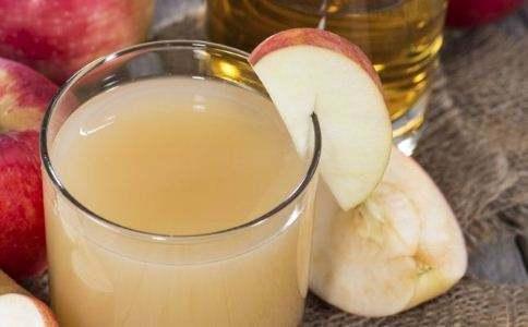 家里屯的苹果给孩子做成了布丁,两个孩子都喜欢吃,方法很简单!