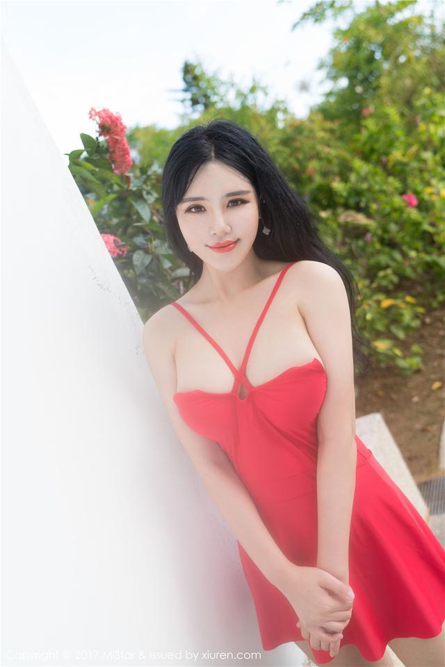 [魅妍社] 大胸细腰肥臀嫩模刘钰儿性感丁字裤写真 VOL.1