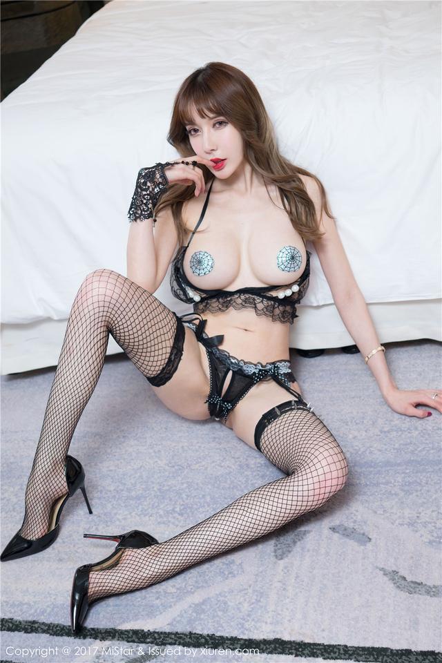 [魅妍社] 超丰满的性感美女曾水丁字裤美臀诱惑 VOL.15