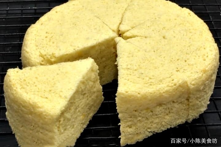 教你在家做蛋糕,不用烤箱不用电饭煲,简单一做,香甜细腻又好吃