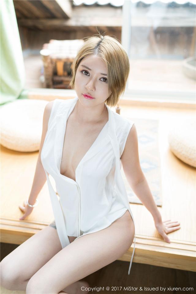 [魅妍社] 短发阳光妹子凯竹BuiBui吊带背心旅拍图片 V