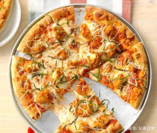 芥末鸡和华夫饼和鸡肉帕玛森披萨的做法