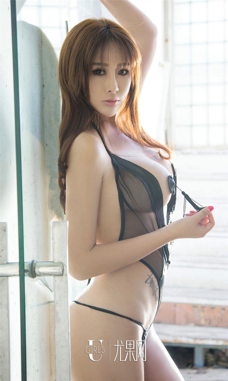 [尤果网] 嫩模孟狐狸蕾丝镂空装写真 第660期